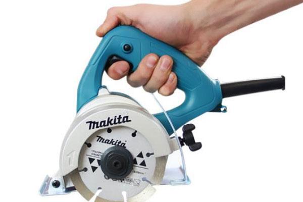 Tại sao nên lựa chọn máy cắt gạch Makita trong công việc